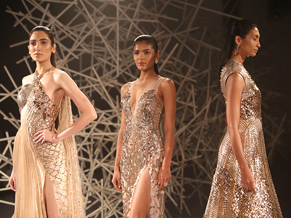 Pankaj And Nidhi S Show At The Fdci India Couture Week 2019 Boldsky Com