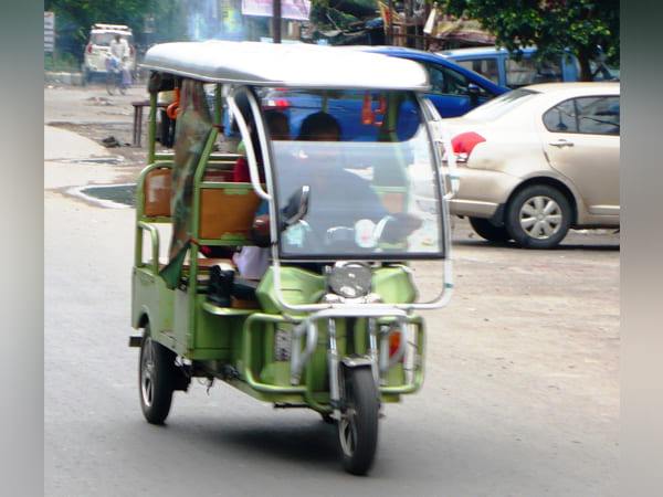 How Electric Rickshaw Pullers Are Countering Pollution