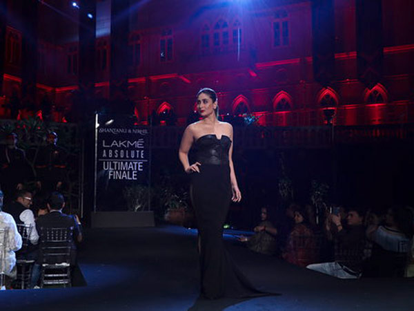 Kareena Kapoor Lakme Fashion Week Summer Resort 2019