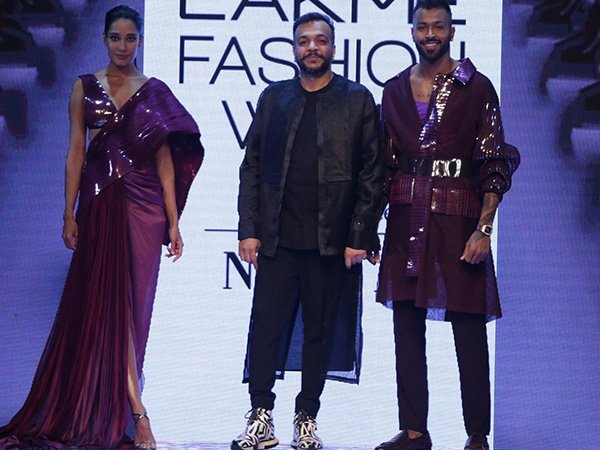 LFW W/F 2019 Day One: Lisa Haydon And Hardik Pandya Graced The Ramp In Sculptural Outfits