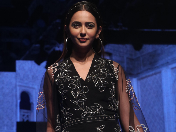LFW W/F 2019 Day 3: Rakul Preet Sizzles In A Metallic Silver Look