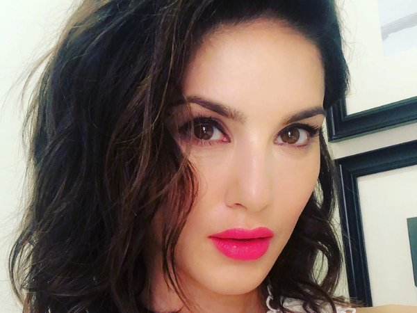 Sunny Leone Spices Up The Basic Look With A Wild Cherry Lip