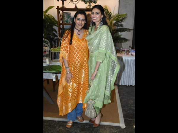 Athiya And Mana Shetty