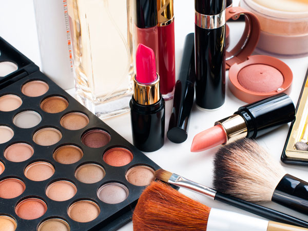 chemicals in cosmetic items can harm womens hormones
