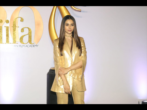 IIFA Rocks 2019: Rakul Preet Singh Gives Us A Golden Fashion Moment With Her Boss Lady Attire