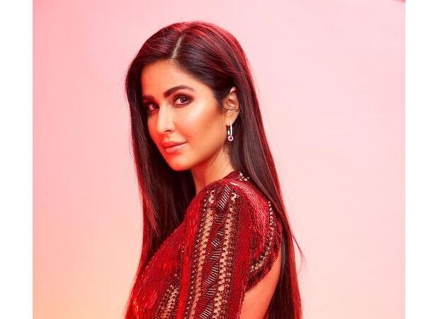 IIFA Rocks 2019: Katrina Kaif Dazzles In Maroon Make-up Look; Get This Look Here