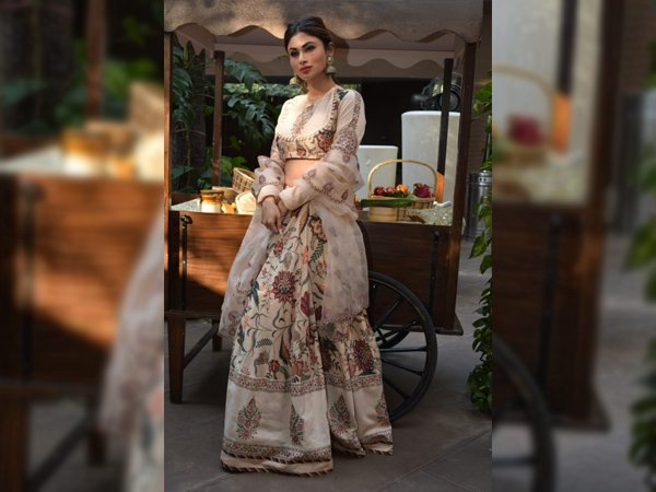 Mouni Roy Fashion