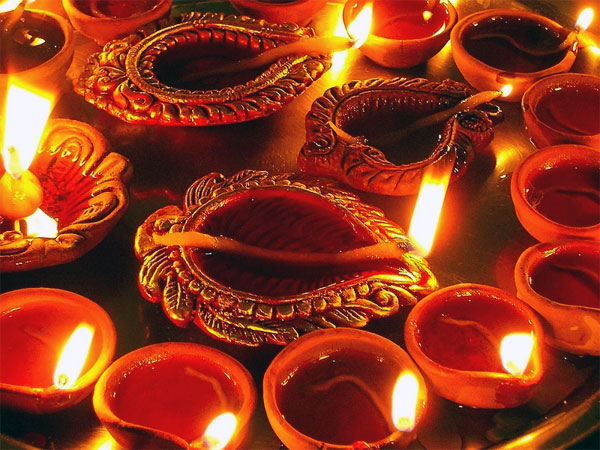 Rules to Follow While Lighting Diyas