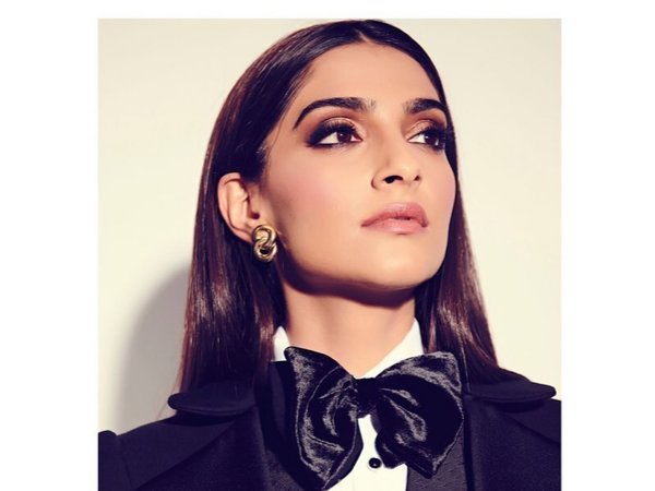 Sonam Kapoor Dazzles In A Black And Beige Boss Lady Make-up Look