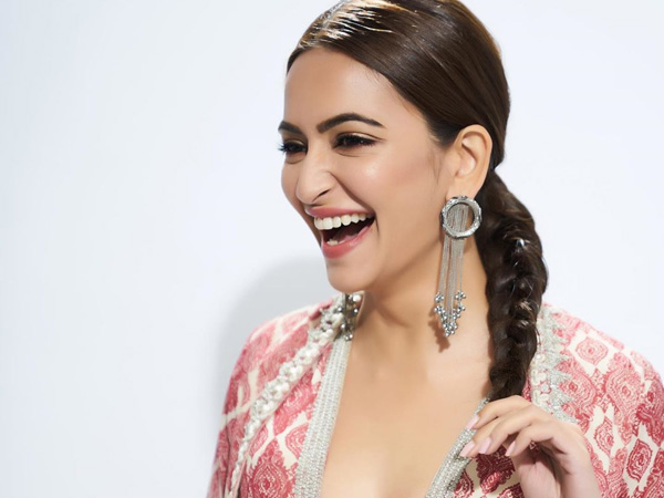 Kriti Kharbanda's Dewy Make-up And Braid Combination Is What You Can Flaunt This Wedding Season