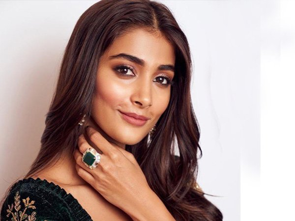 Pooja Hedge's Green Velvet Manish Malhotra Lehenga Will Help You Rock Winter Wedding