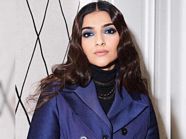 How To Recreate Sonam Kapoor's Stunning Blue Eye Make-up Look With Just 6 Products
