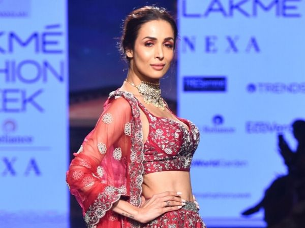 Lakme Fashion Week Summer Resort 2020: Malaika Arora Looks Graceful In Sparkling Makeup!