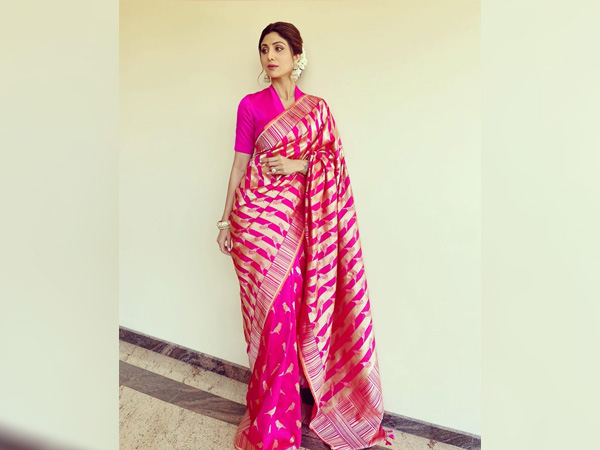 International Womens Day-Shilpa Shetty Kundra In A Pink Banarasi Saree
