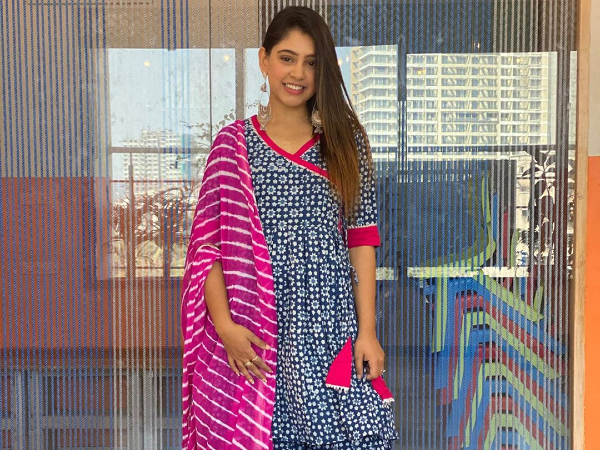 Kaisi Yeh Yaariaan Actress Niti Taylor Flaunts Self-Love In Printed Ethnic Attire And We're Touched!