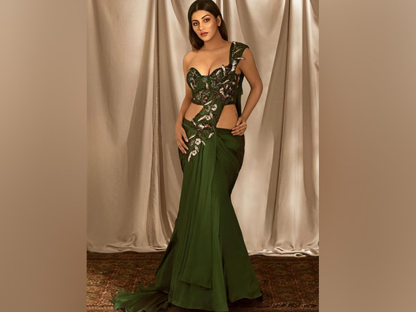 Yashika Aannand In Green Saree Gown