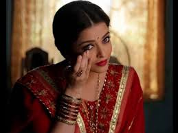 Aishwarya Rai Bachchan's Finest Traditional Moments Decoded Since The Beginning Of Her Career