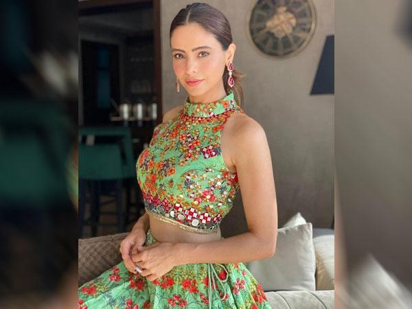 Aamna Sharif In A Green Crop Top & Skirt