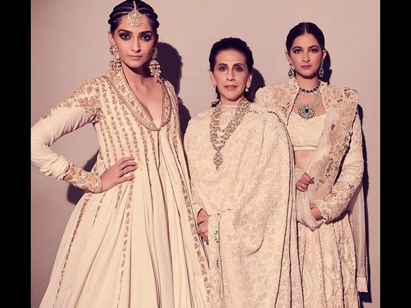 Sunita Kapoor And Sonam Kapoor And Rhea Kapoor
