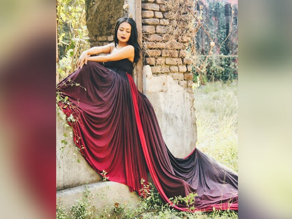 Neha Kakkar In A Strapless Dual-Toned Gown