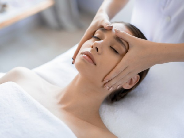 Acupressure For Headache: The 7 Pressure Points For ...