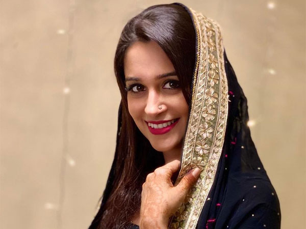 On Dipika Kakar's Birthday, Her 5 Beautiful Ethnic Looks From Quarantine Days That Amazed Us!