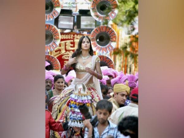 Katrina Kaifs Bridal Look In Mere Brother Ki Dulhan
