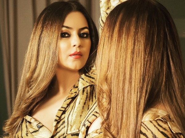 Mahima Chaudhry's Outfits On Her B'day