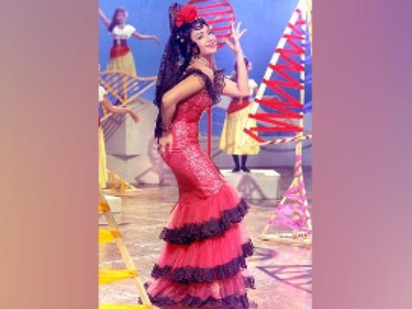 Bhanu Athaiya Famous Costumes