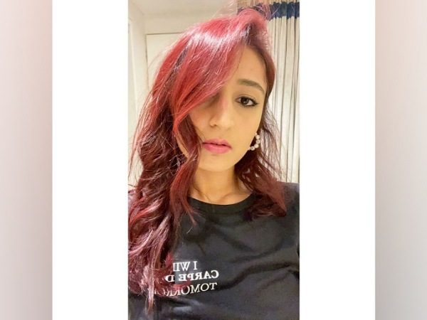 Dhvani Bhanushali Dyes Her Hair Red