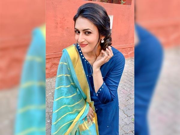 Divyanka Tripathi Dahiya In A Blue Suit On Lohri