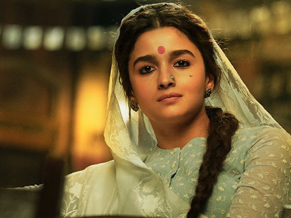 Gangubai Kathiawadi: Alia Bhatt Nails Simple Traditional Look With Striking Red Kumkum Bindi And Braid!
