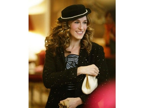 Flashback Friday: When Carrie Bradshaw Of Sex And The City Made Scrunchie Look So Unfashionable!