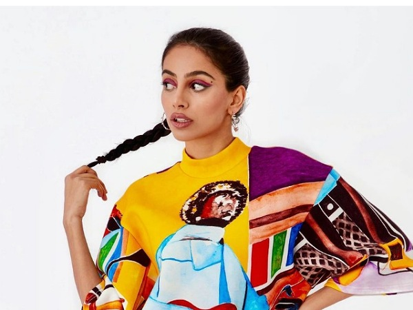 Banita Sandhu's Latest Vibrant Graphic Printed Dress Price Can Buy You A New Phone; Know It's Worth Inside!