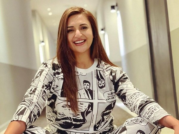 Divyanka Tripathi Challenges Her Fans To Read The Printed Texts Written On Her Quirky Co-ord Set, Can You?