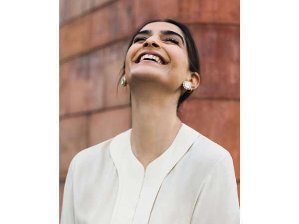 Sonam Kapoor Ahuja Exudes Vintage Vibes With Her Gorgeous Ivory-Hued Midi Dress; Gives Purse Goals Too!