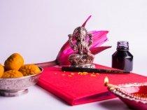 Tips To Attract Goddess Lakshmi At Work