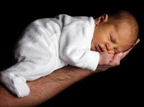 Does High Birth Weight Cause Obesity?