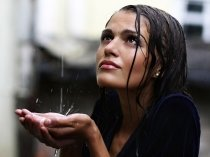 How To Take Care Of Your Hair This Monsoon