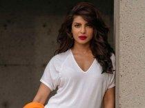How To Get Priyanka Chopra's Wavy Hairstyle?