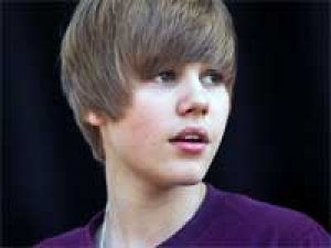 Justin Bieber Peta 220111 Aid