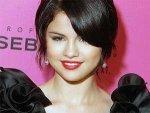 Selena Gomez Justin Bieber Pda 080611 Aid