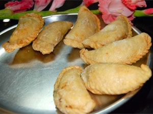 Gujiya Holi Recipe
