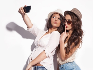 Nine Things Every Selfie Addict Have To Hear