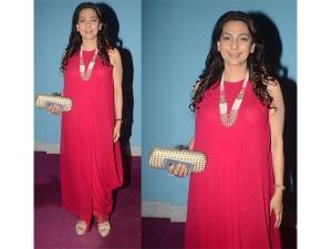 Juhi Chawla Blushes In Anita Dongre At Mahatma Screening