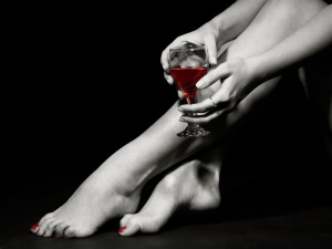 Here Is How Red Wine Nourishes Your Skin