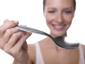 Beauty Tips Using A Spoon