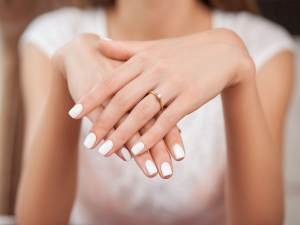 Step By Step Manicure Tips To Follow At Home