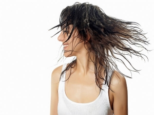 Natural Ways To Clean Hair Without Shampoo