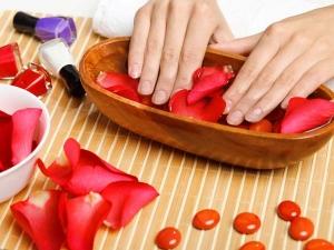 Diy Prepare Gel Based Manicure In Minutes